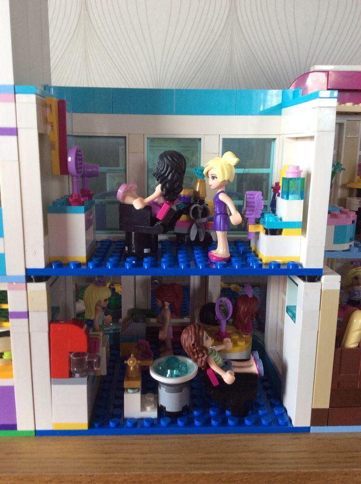 Insidan på en frisersalong a'la' egen design Lego friends