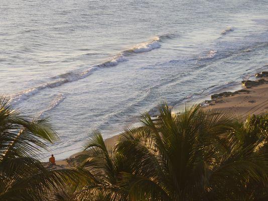 Jupiter Beach Resort & Spa Jupiter, FL http://www.tennessean.com/story/life/2015/01/25/jupiter-beachs-views-luxuries-world/21525591/
