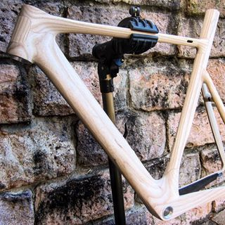 Creating unique timber / carbon fibre composite bicycles Stunning performance