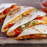 Easy quesadilla recipe with bell peppers and onions