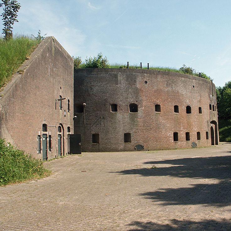 Nieuwe Hollandse Waterlinie, toren en contrescarp Fort bij Honswijk