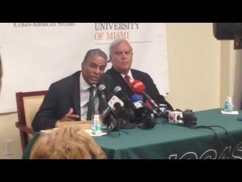 """Cuba video: Dr. Oscar Elias Biscet en la Universidad de Miami./""""Esto no hay quien lo arregle, pero sí quien lo tumbe"""", dice Biscet en EE UU. 14ymedio. - Cuba Democracia y Vida"""