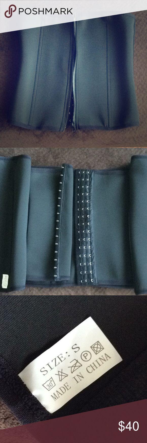 Workout corset (brand new) Small black (25-27 waist) workout corset Other