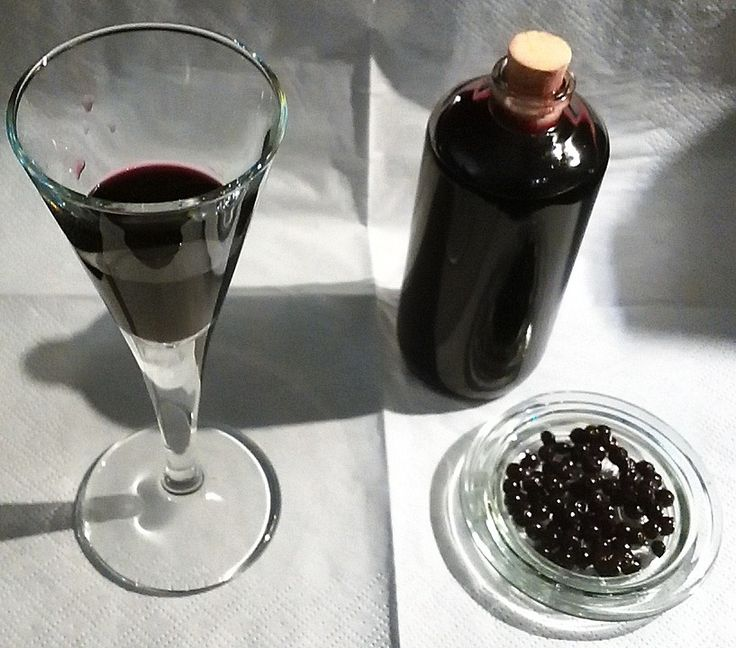 Gieblis Holunderlikör aus frischen Holunderbeeren, ein sehr leckeres Rezept aus der Kategorie Herbst.