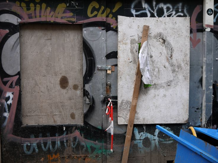 https://flic.kr/p/jEzGwg | 2014.01 - An urban still-life of boarded up house-fronts & cut graffiti tags; a geotagged free urban picture, in public domain / Commons CCO;  city photography by Fons Heijnsbroek, The Netherlands | Amsterdam in photo, a close-up picture - through the fence - of boarded up house-front in facades of old residential buildings, with collections of graffiti tags; location is a small construction site in Amsterdam city. at the street Nieuwe Kerkstraat - near river…