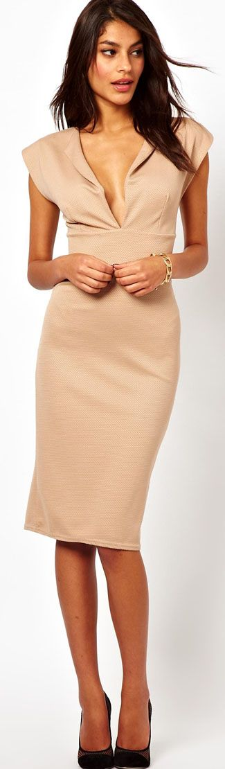 Gorgeous nude fitted dress.  Deep V neckline by John Zack.  Women's spring fashion