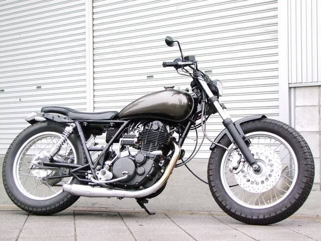 Мотоцикл Yamaha SR400 от компании JU Motors - Yamaha SR400, 2002 - Продажа мотоциклов во Владивостоке