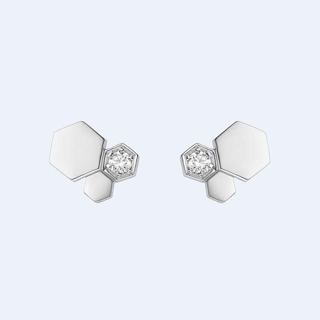 Bee My Love stud earrings