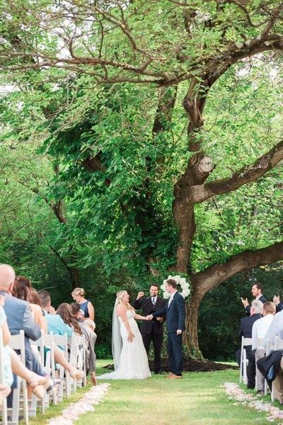 Another Gorgeous Wedding Under The Glendale Lyceum Tree