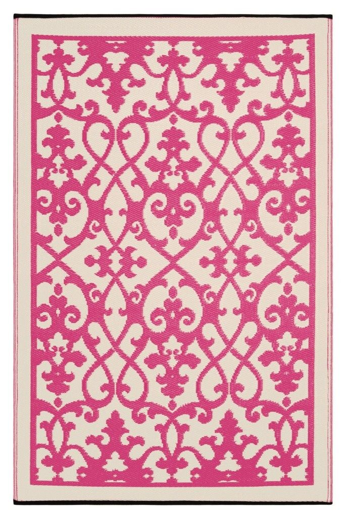 A Wonderful Bold Pink And White Woven Area Rug For The Kitchen From Straws Made Up Of Recycled Plastic Washable Just Shake Or Hose Off Easy