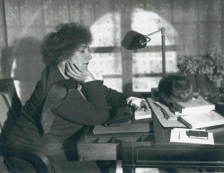 Colette, Paris, 1930, Andre Kertesz.