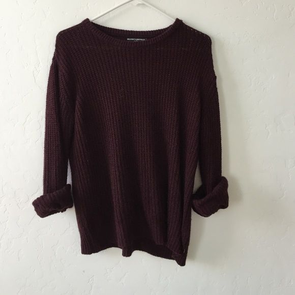 Worn once Brandy Melville sweater In perfect condition Brandy Melville Sweaters
