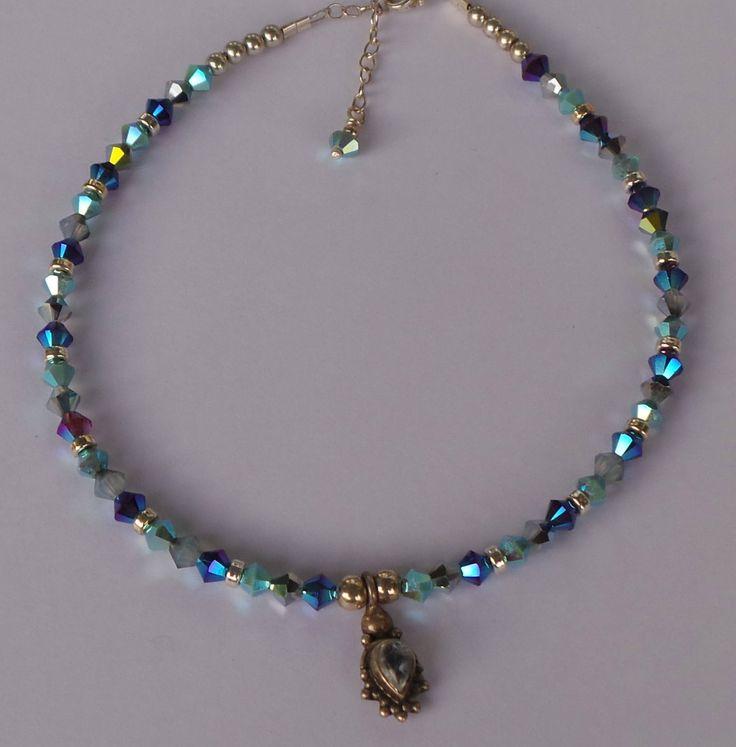 Blauw enkelbandje met zilveren hanger met een maansteen en zilveren kralen door SieradenvanSylvia op Etsy https://www.etsy.com/nl/listing/539471075/blauw-enkelbandje-met-zilveren-hanger