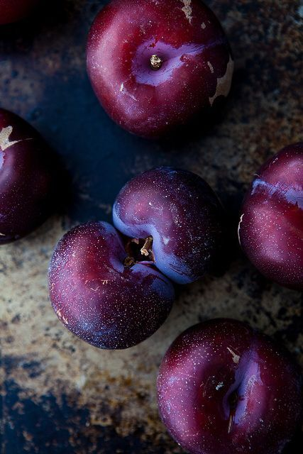 28 Best Benefits Of Plums For Skin, Hair And Health
