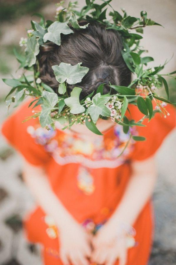 ivy headbands for flower girls // photo by MangoStudios.com