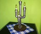 Stolní designová lampička  Cca 1500 kč