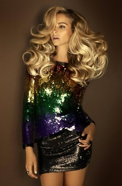 I NEED this disco hair!!! I can't do this alone with the amount of locks I have on my head :/