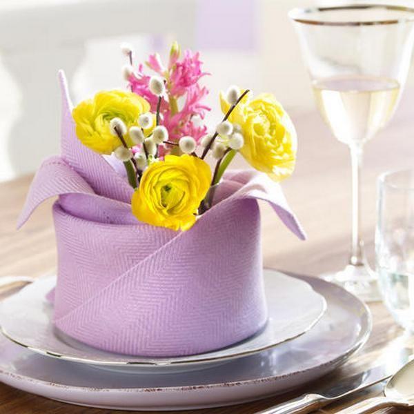 Déco de table sur le thème du Printemps et de l'été - Décoration de Table d'été - Table de printemps - Déco de table avec fleurs