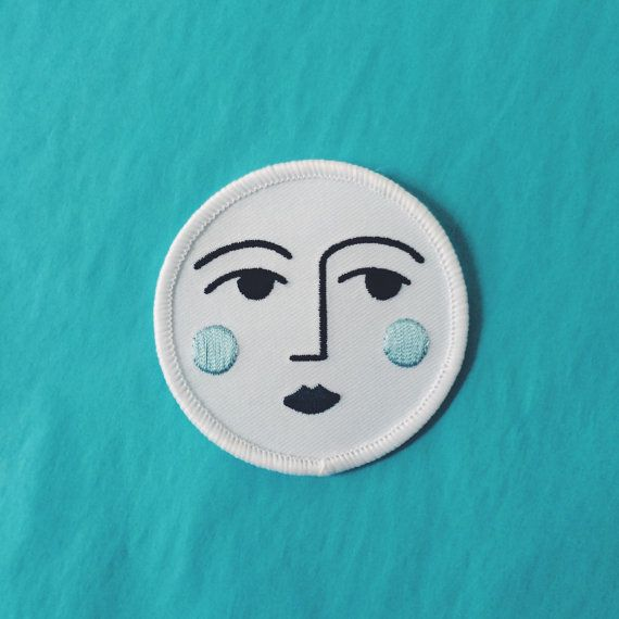 Luna Sew-on Patch 6,3 cm at widest point