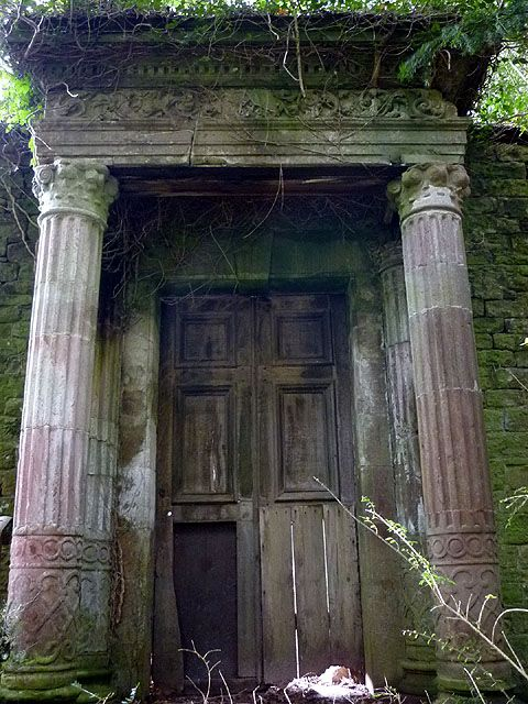 Derelict doorway, Lowther Castle