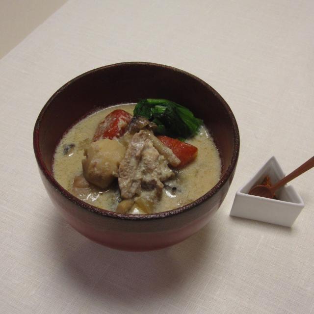 温かい食べ物が恋しい季節、今回は豆乳を使って、たくさんの根菜を食べやすくした汁物です! - 14件のもぐもぐ - 圧力鍋で作った、たっぷり根菜の豆乳汁 by Wonder chef