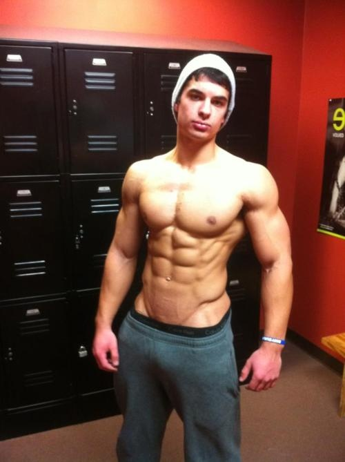 Lockerroom | Hot guys | Pinterest | Gym and Abs