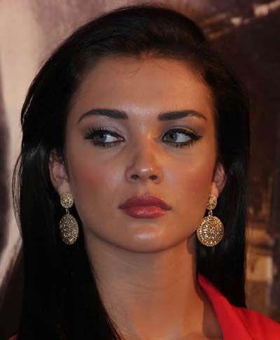moviestalkbuzz: Amy Jackson Singh is Bling