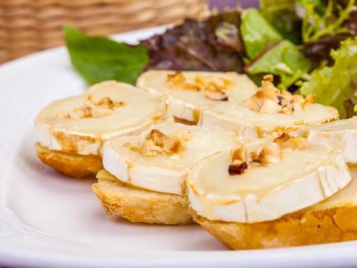 Tartine de chèvre au miel : Recette de Tartine de chèvre au miel - Marmiton