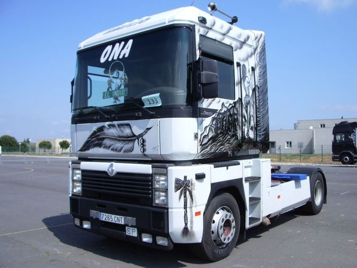 renault trucks pinterest best brush truck ideas. Black Bedroom Furniture Sets. Home Design Ideas