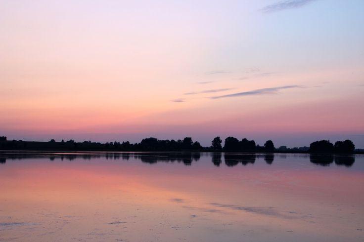 Sonnenuntergang am Nonnensee auf der Insel R�gen - Sunset at the lake