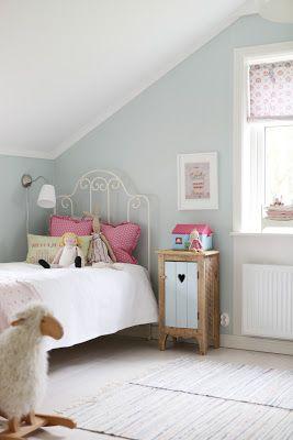 bymildred.blogspot.ca - sweet little girl's room