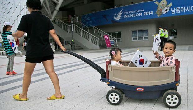 Penduduk Korea Antusias Sambut Asian Games