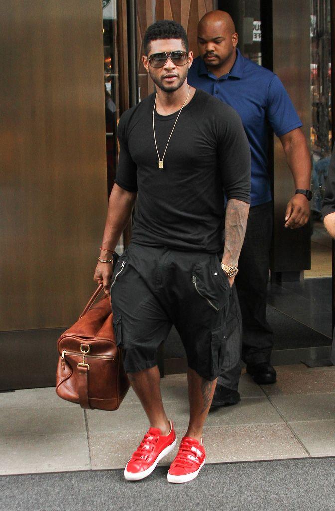 R&B tarzında dünyaca ünlü #Usher, Japonya trend odaklı benzersiz tasarımları ile bu yılın markası #Cazal ile tarzını tamamlayanlardan..