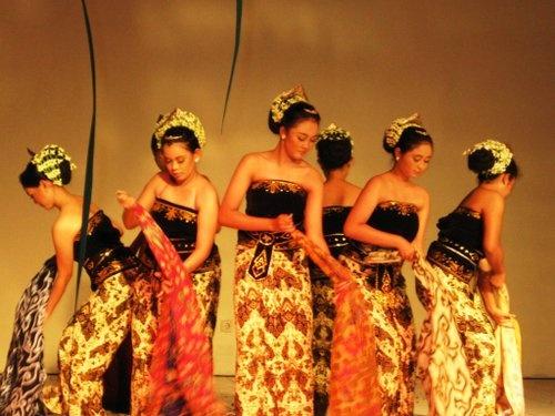 Batik dance Cirebon