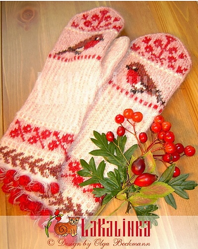 Red Berries and Robin by Olga Beckmann wow, I need to make these... they are so beautiful!