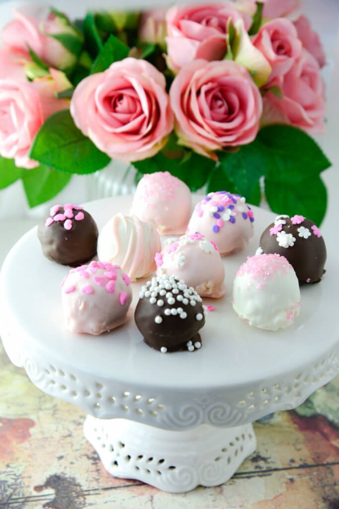 Cookie Truffles Recipe | gluten free truffles | vegetarian truffles | gluten free sweets | gluten free desserts | truffle recipe | gluten free recipes | vegetarian desserts | vegetarian truffles || Now Find Gluten Free #glutenfree #glutenfreerecipes #truffles