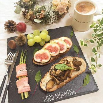 朝食のモーニングプレートに一言メッセージを書き添えると、家族が笑顔で一日をスタートできそうです!
