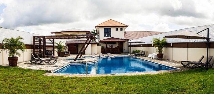 Net geopend in paramaribo is het luxe appartementen for Luxe vakantie appartementen