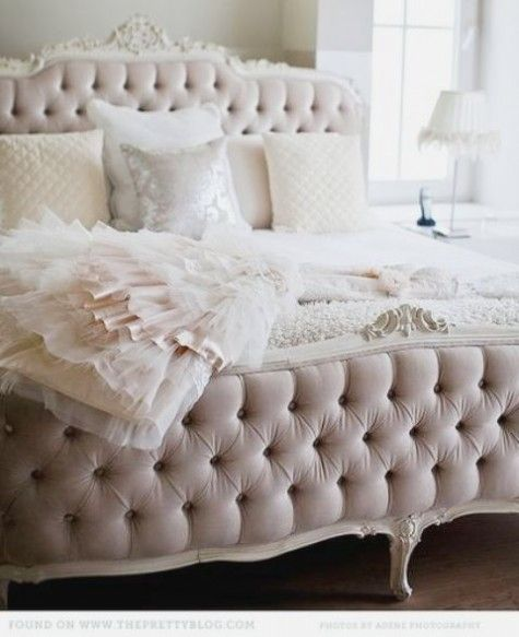 Stunning head/foot boardsTufted Beds, Headboards, Dreams Beds, Princesses Beds, Princess Beds, Pink, Beds Frames, Bedrooms Decor, Bedrooms Ideas