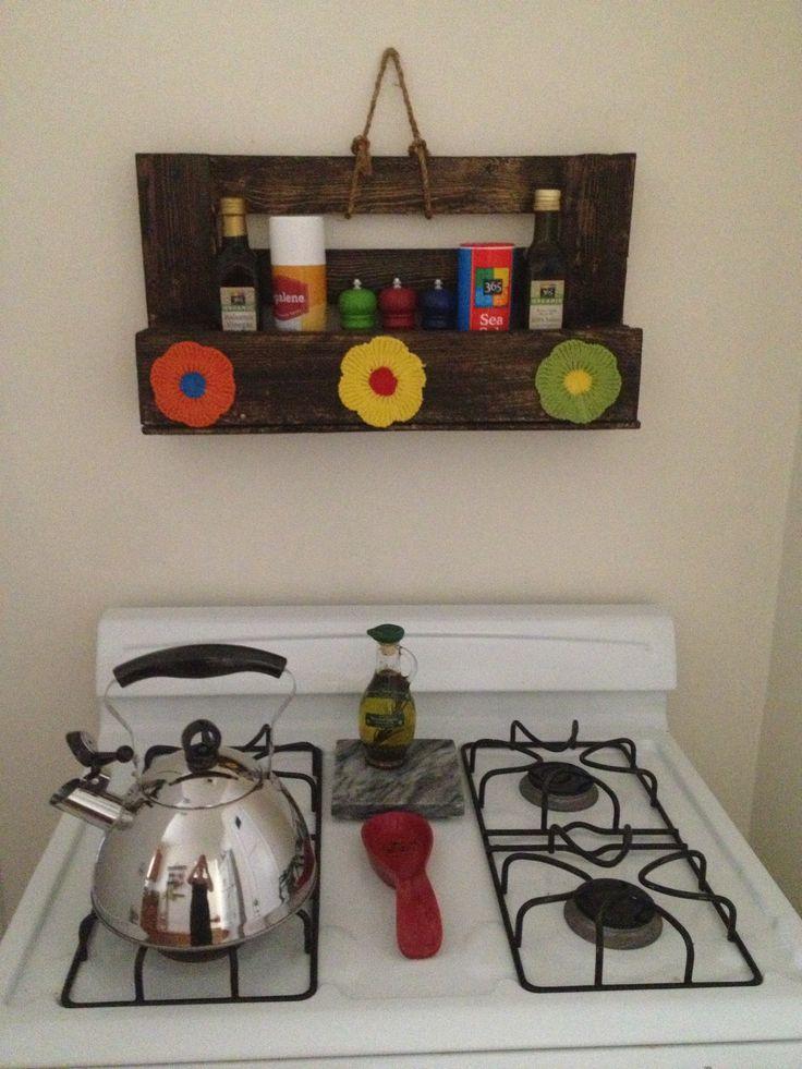 Organizador de cocina con reciclaje pallets cocina for Material cocina