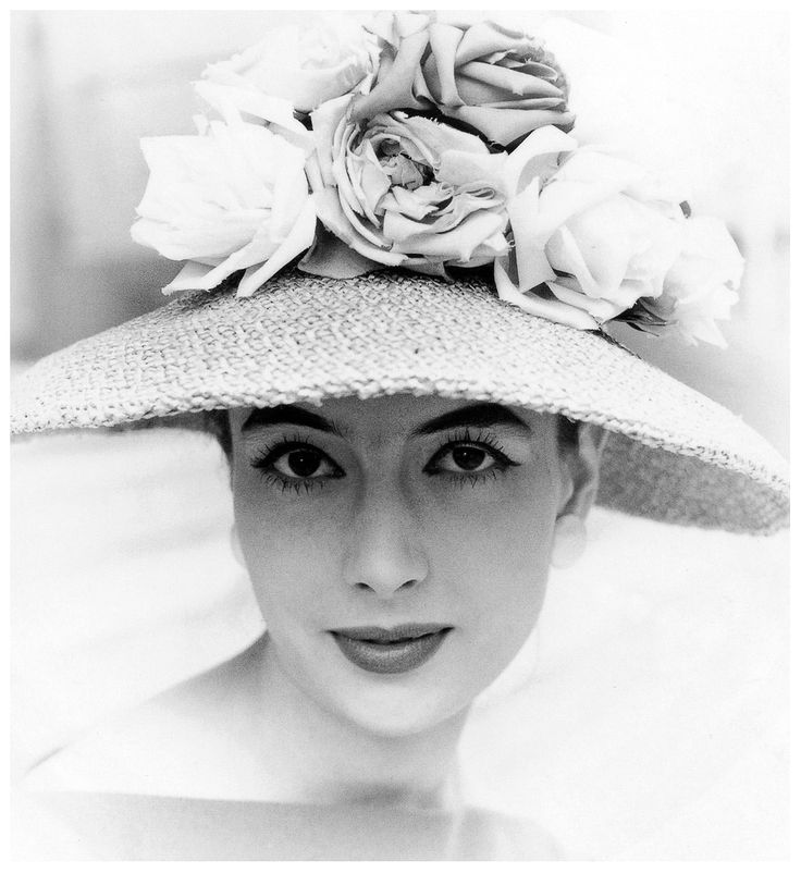 Hat with Roses - 1958 - Berlin - Photo by Rico Puhlmann - @~ Mlle
