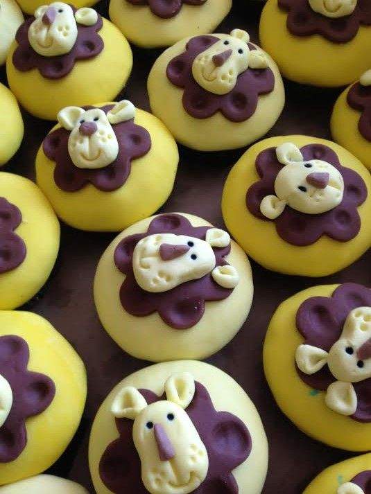 Little Lion Cupcakes