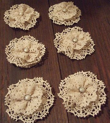 lace burlap flowers @Amanda Snelson Snelson Barber I would love it if you made some of these!