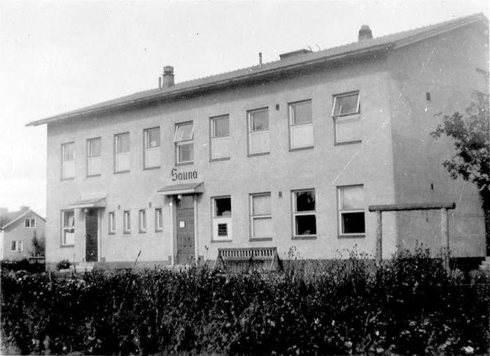 Lasten ja nuorten taidekoulun rakennus toimi alkuaikoina kauppalana, saunana ja pesulana. Aamuposti 5.11.2017. Kuva Riihimäen kaupunginmuseo #Riihimäki