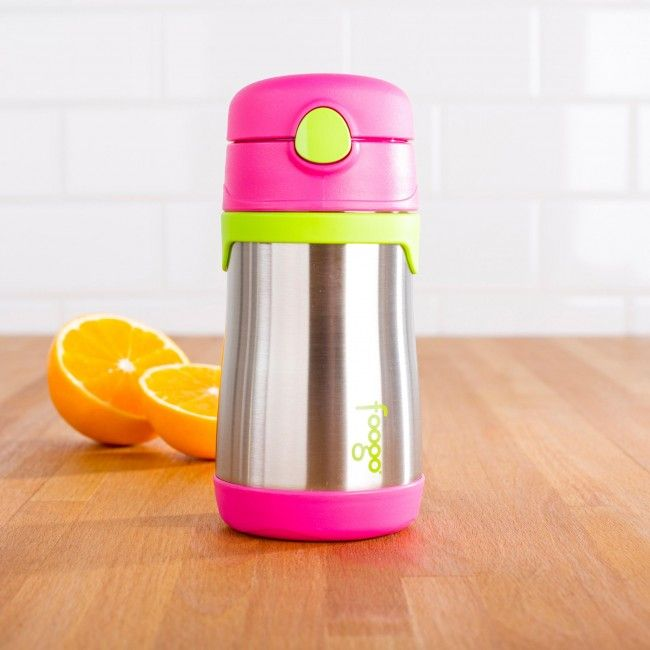 Keep the little ones hydrated with the Thermos Foogo Insulated Sport Bottle with Straw. Perfect for kids 18 months and over, the double wall vacuum insulation keep water cool for longer.