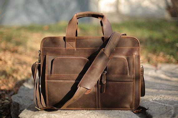 Leather Messenger Bag/ Tan messenger/ Travelling Messenger/ Mens gift/ School book bag/ College book bag/ Tan Messenger bag/ Leather Messenger/ Buckled strap Messenger ********************************************** ***ORDERS NEEDED BEFORE CHRISTMAS (12/23-12/24) WILL NEED TO BE PLACED ON OR