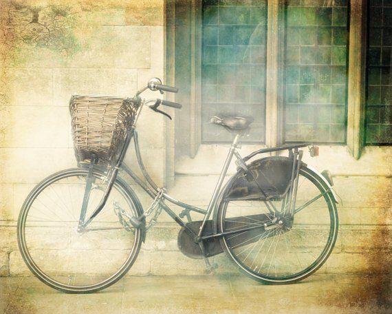 KeriBevan - London Photography, Bicycle art print #photography #art #interior #wall #photo #print #home #kotiin #sisustus #sisustusidea #valokuvaus #valokuvataide #taide #interiordecor #interiordecoration #koti #uuttakotiin #sisustusinspiraatio #inredning #photos #londonphotography