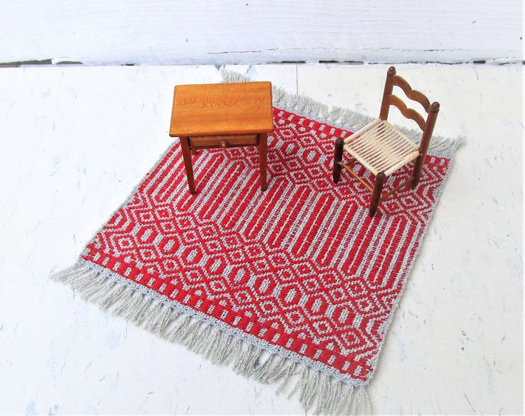 Silver and Red Artisan Handwoven Dollhouse Rug, Table Rug. Rose Path threading. Wool weft silk warp table rug. 7″ by 8″ includes fringe