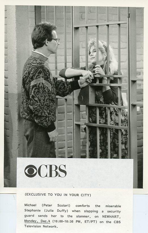 JULIA DUFFY IN JAIL PETER SCOLARI NEWHART TV SHOW ORIGINAL 1989 CBS TV PHOTO #Photos