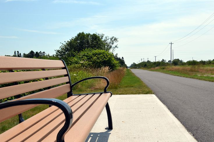 Mountain Cemetery Loop — 2km walking trail in Yarmouth, Nova Scotia